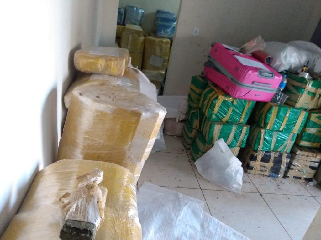 10 toneladas de maconha é apreendida em quintal de casa em Ponta Porã