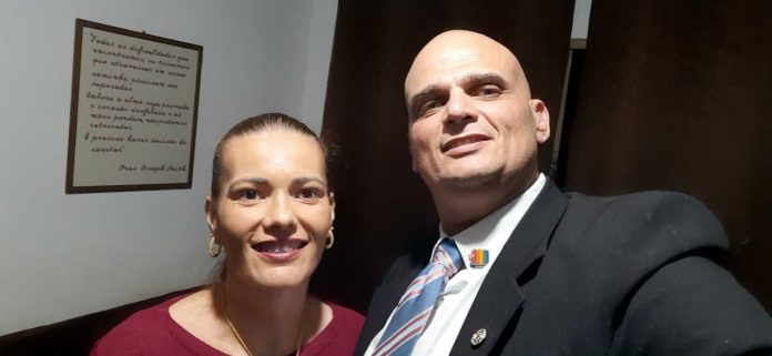 Professor Vivan assume a presidência do Rotary Guarani