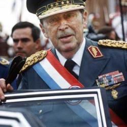 Justiça autoriza exumação de ex-ditador paraguaio que está enterrado em Brasília