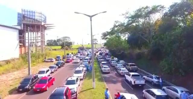 Governo paraguaio deve reabrir fronteira com Brasil após protestos de comerciantes na linha internacional, em MS