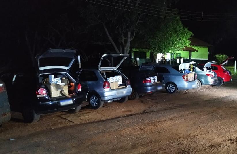 DOF apreende 06 carros cheio de contrabando em Ponta Porã