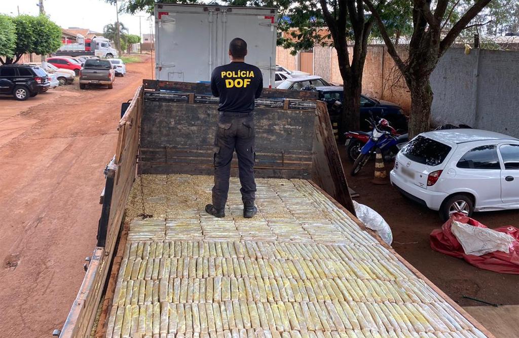 Em Ponta Porã, caminhão com mais de 1800 quilos de maconha é apreendido