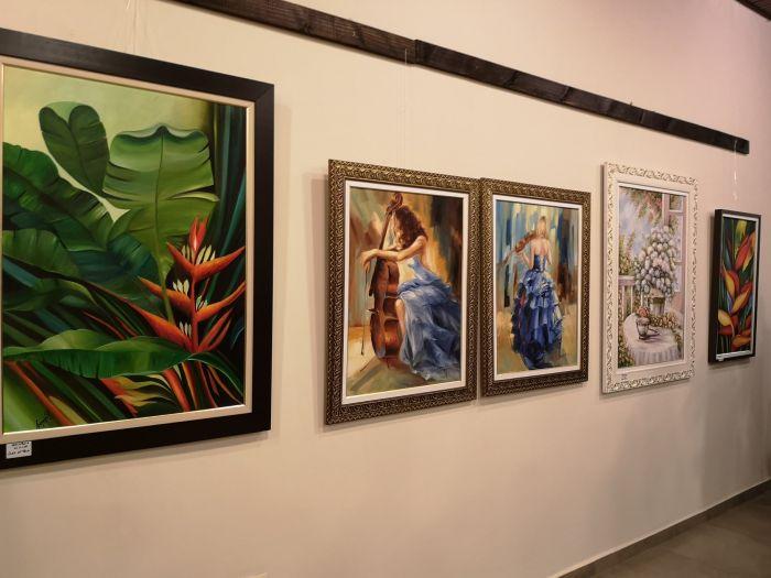 Artistas visuales de la frontera reunidos en interesante exposición de cuadros