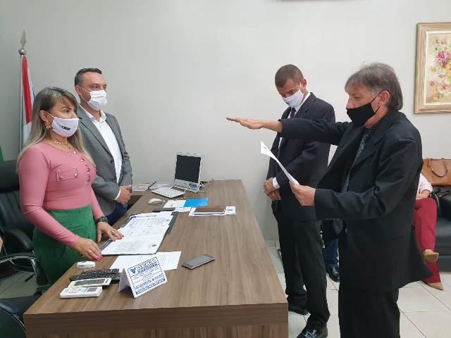 Marquinhos e Biro Biro tomam posse na Câmara Municipal de Ponta Porã