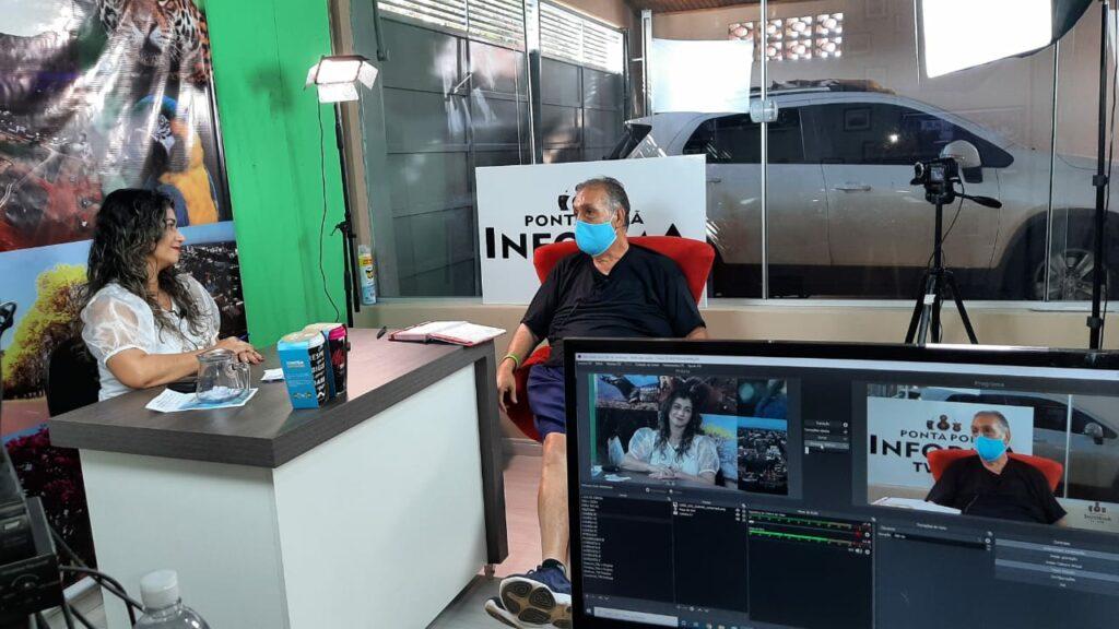 Professor Roberto Urizar é entrevistado no Programa Dora Nunes