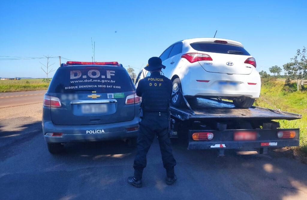 Guincho é parado e carro furtado em SP é recuperado em Ponta Porã