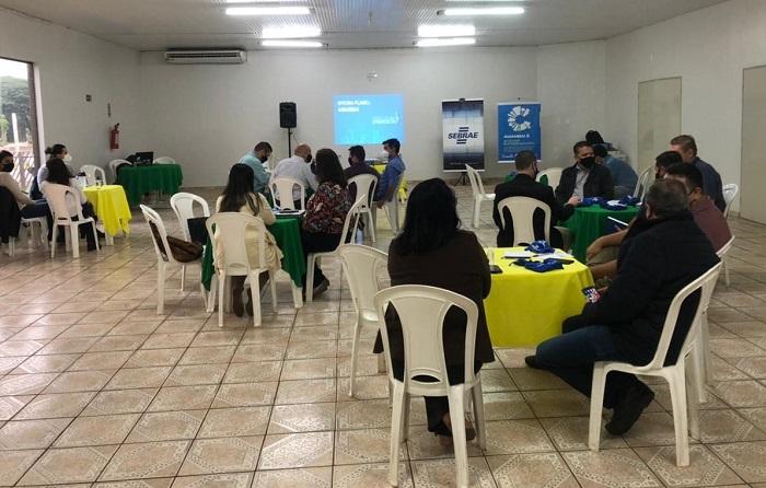 Em Amambai, prefeitura define ações para o Plano de Desenvolvimento Econômico do município