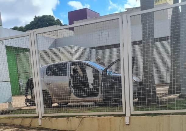 Homem reage a abordagem policial e é baleado em estacionamento de hotel em Ponta Porã