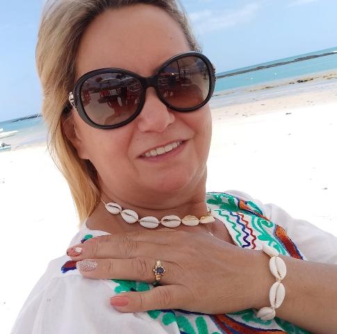 Confira os aniversariantes de hoje, 06/10, por Dora Nunes