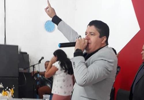 Pastor que manteve esposa em cárcere a conheceu em momento de fragilidade, diz vizinho