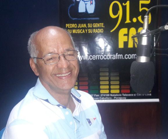 O Rotaryano Abedão Custódio no estúdio da Rádio 91.5 FM Cerro Cora.Foto: Tião Prado (Pontaporainforma)