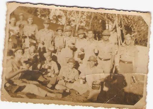 Ponta Porã Linha do Tempo. Arquivo pessoal de Nilza Terezinha: Foto do acervo de Itrio Araújo dos Santos conhecido como (cabo Itrio), Imagem de soldados do 11º RC realizando instrução e treinamento de sobrevivência na selva década de 40.