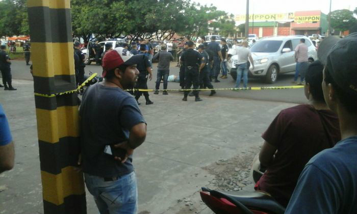 Pistoleiro foi morto por policiais paraguaios após abordagem que iniciou tiroteio (Foto: Reprodução/Porã News)