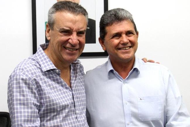 Paulo Corrêa recebeu João Rocha na sala da Presidência.  Foto: Wagner Guimarães  ALMS)